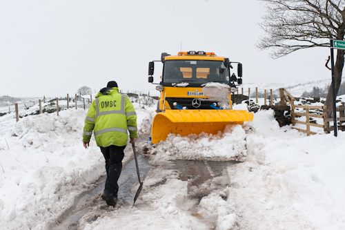 Gritter operative clearing roads in Diggle {Photo: Stuart Coleman©2012)