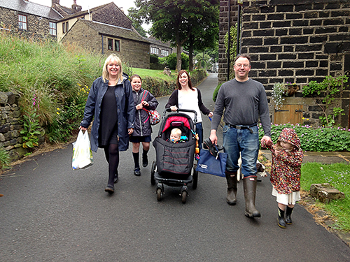 Pupils and Parents walking to Diggle primary School (Photo: Stuart Coleman©2013)